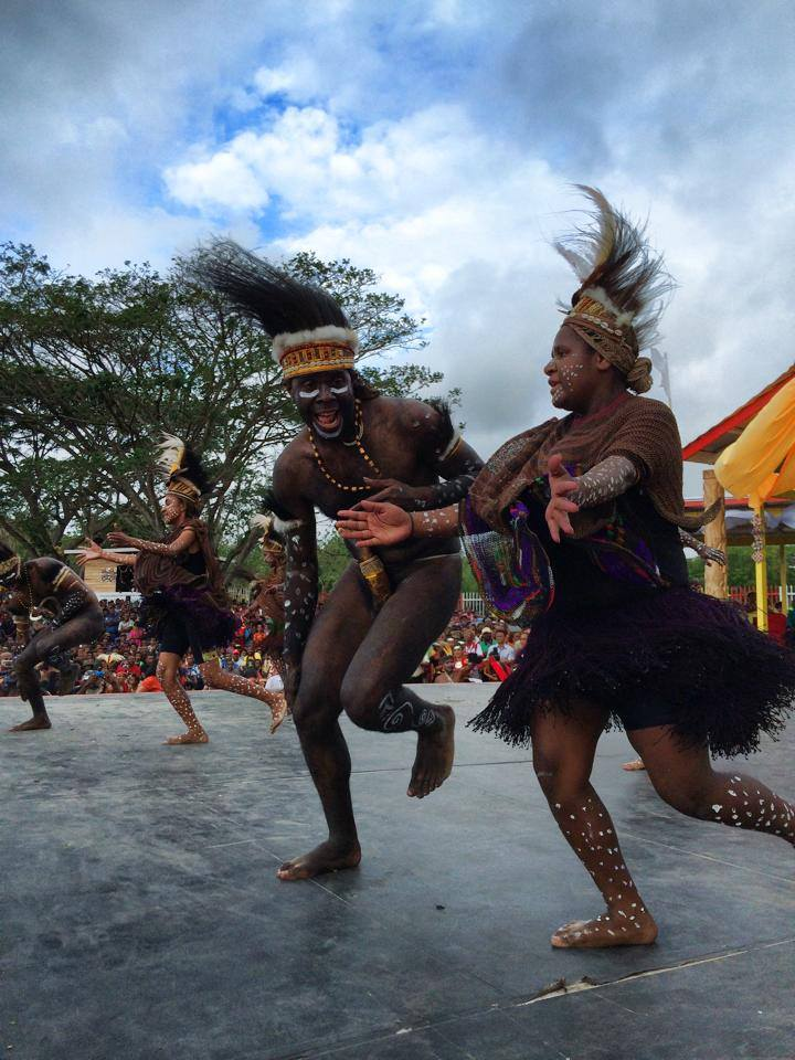 Oe'ya wonock, West Papua at the 5th Melanesian Festival of Arts & Culture, Port Moresby 2014. Image by Robert Weber